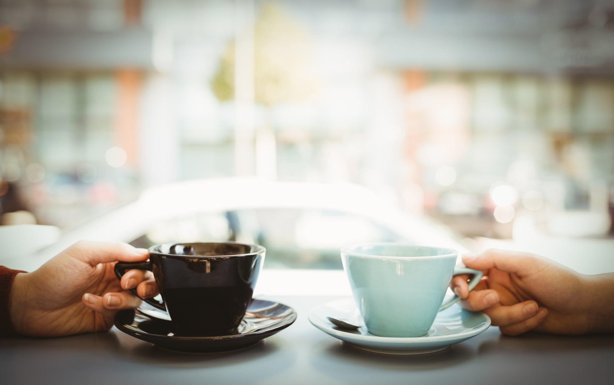 желанное приобретение две чашки кофе фото и разговоры москве загорелись